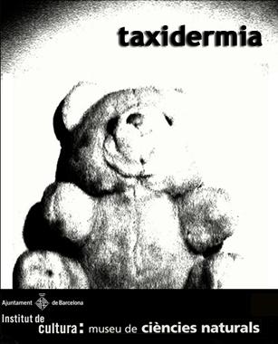 """TAXIDERMIA es una pieza de teatro breve basada en una serie de entrevistas realizadas a personas sobre su experiencia con la tortura, maltrato y experimentación con insectos y pequeños animales durante su infancia.   TAXIDERMIA se acerca con ironía y humor al mundo de la violencia desde una mirada infantil, cruda y directa, con los matices propios del carácter de cada protagonista y su relación con la culpa y la crueldad.  TAXIDERMIA fue estrenada en el """"Casal de Joves"""" de Sant Feliu de Llobregat el año 2006."""